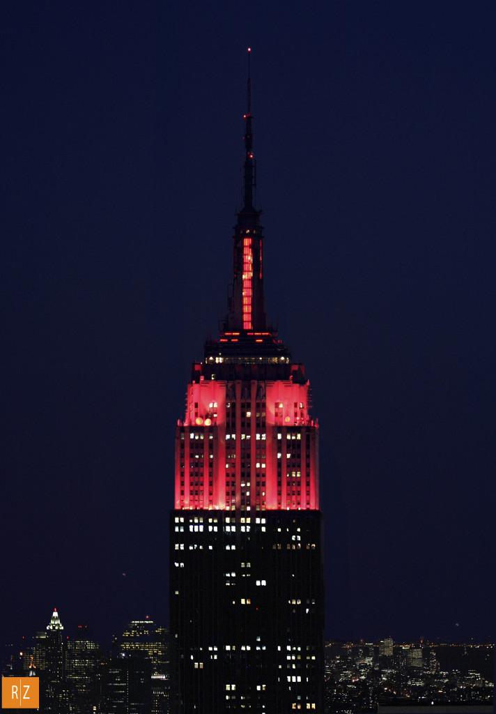Aprile 2004. Per festeggiare i 50 anni di presenza Ferrari negli Stati Uniti, la città di New York fece illuminare per una sera di rosso l'Empire State Building. Delle cose che ho realizzato in 25 anni di carriera, è quella che mi suscita ancora oggi le maggiori emozioni.